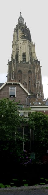 Looking towards the Nieuwe Kerk from the doorway of Voldersgracht no. 26