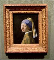 http://www.essentialvermeer.com/interviews_newsletter/images/frame_girl_with_a_pearl_earring.jpg